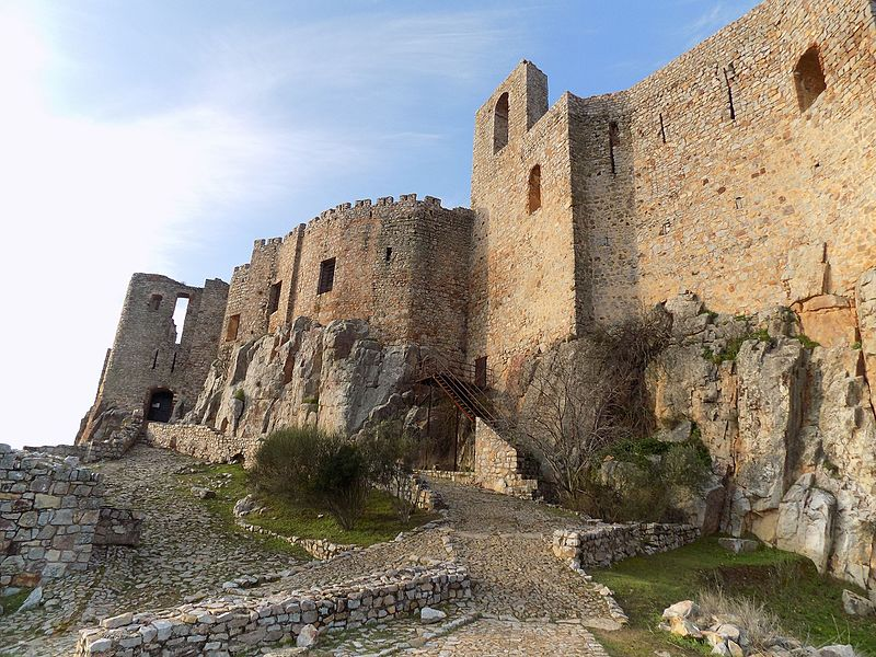Descubre La Majestuosidad De Calatrava La Nueva y su Castillo