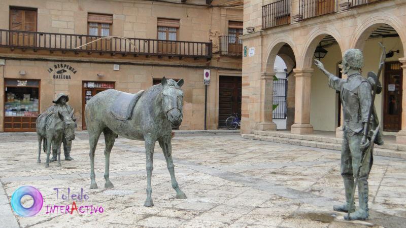 """Grupo escultórico """"Homenaje a Cervantes"""" de Giraldo"""