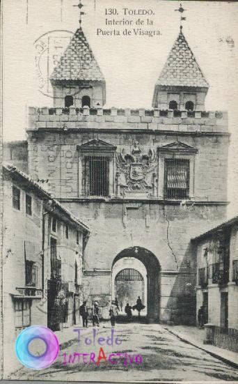 Interior de la Puerta de Bisagra. Heliotipia Artística Española.