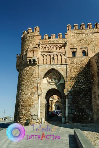 Puerta del Sol y la de Bab al-Mardum Toledo